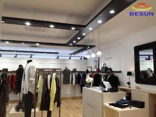Đèn led âm trần cao cấp DF-Series chiếu sáng shop thời trang