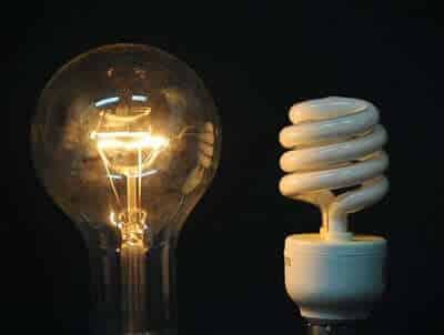 So sánh đèn sợi đốt và đèn huỳnh quang